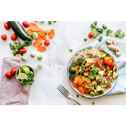 flat-lay-photography-of-vegetable-salad-on-plate-1640777.jpg